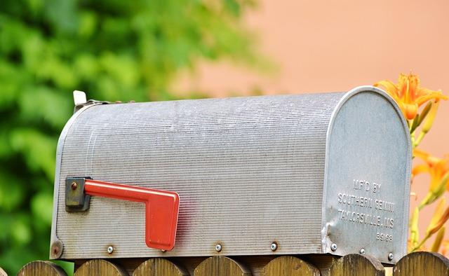 mailbox-2438215_640