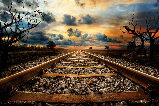 railway-line-3121544_640