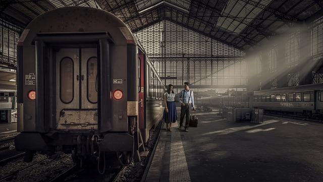 train-3169964_640