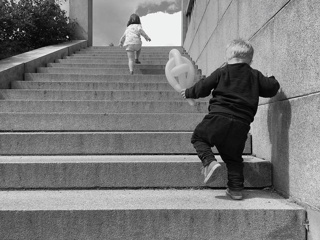 steps-2481597_640