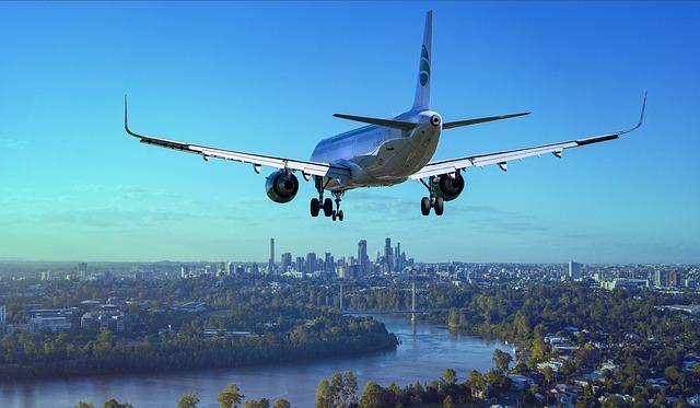 aircraft-3702676_640